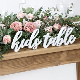 Träbokstäver - Kids table