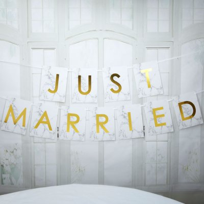 Stor vimpel - Just Married - Scripted Marble